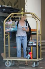 Jenna Elfman Leave Her Hotel In Hawaii