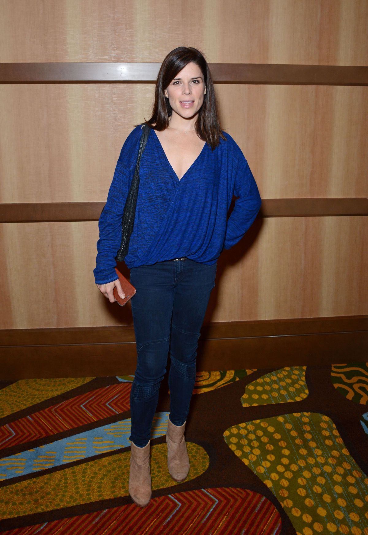 Land Rover Cherry Hill >> Neve Campbell At Spooky Empire Ultimate Halloween - Celebzz