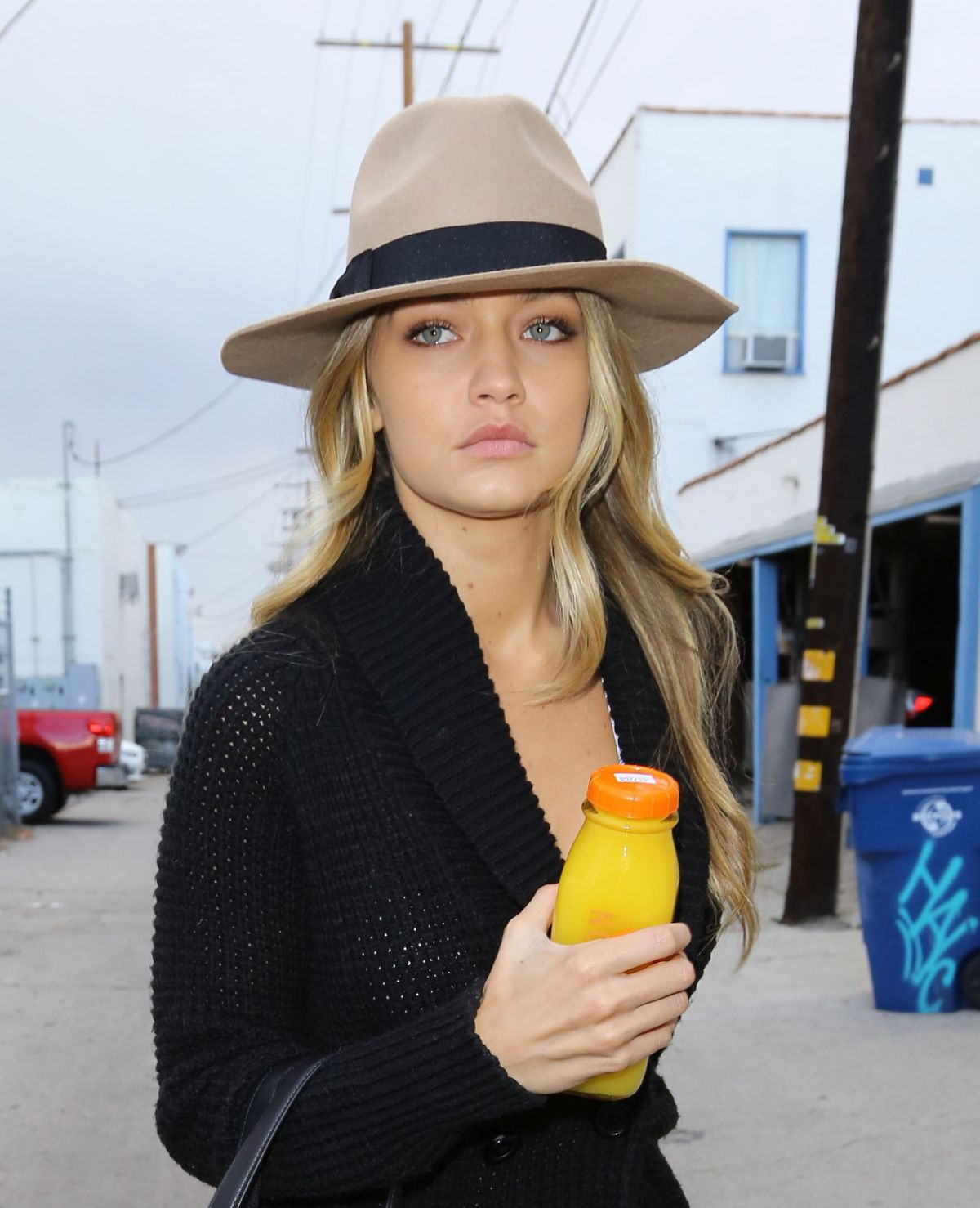 Gigi Hadid Visiting A Spa In Los Angeles
