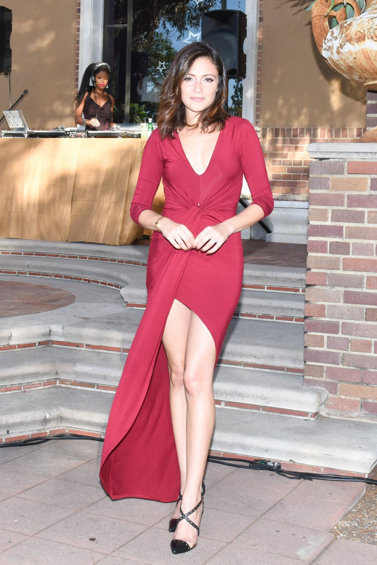 Italia Ricci At Revolve X Stand Up For Cancer Fashion