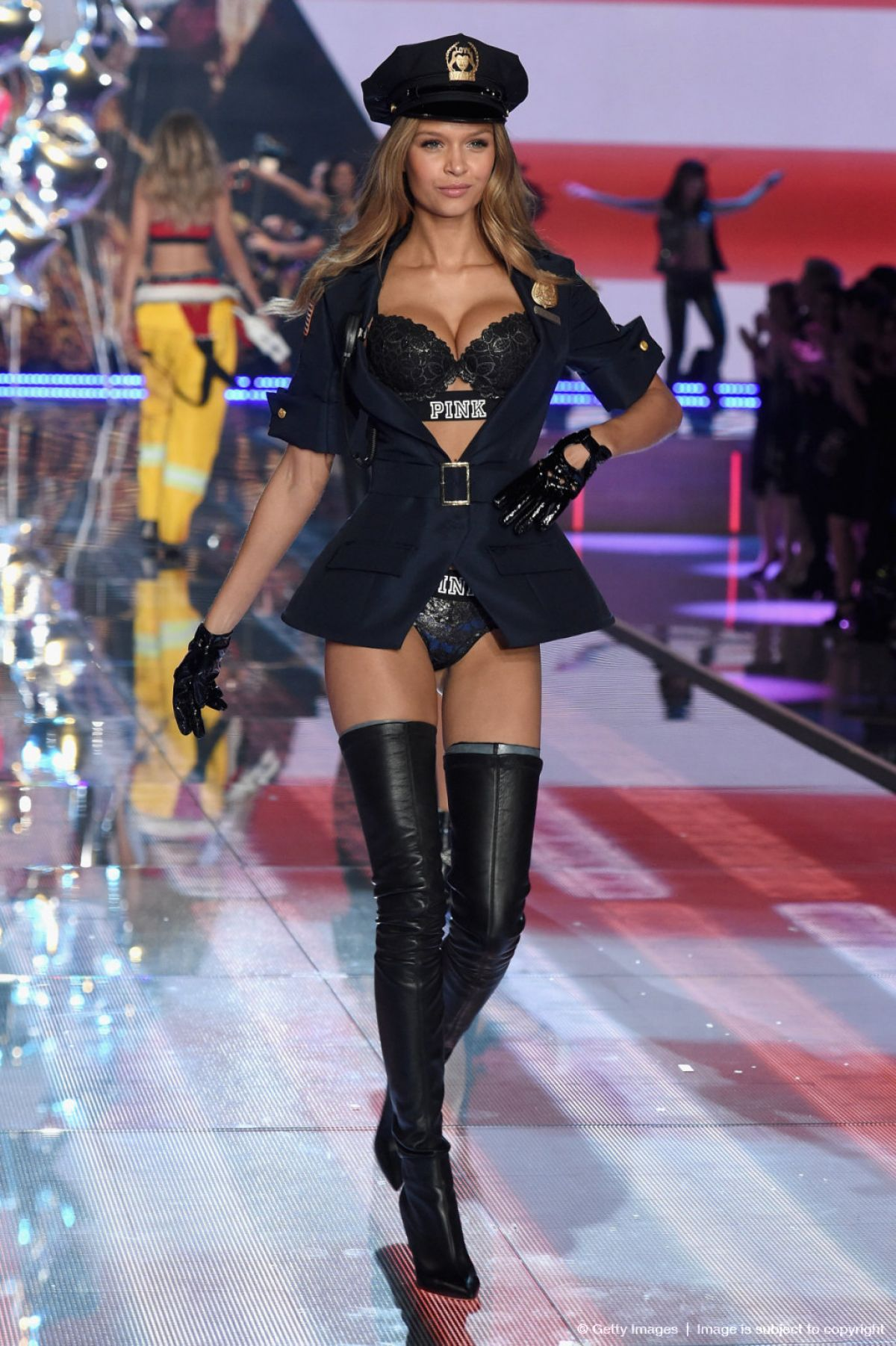 Josephine skriver at 2015 victoria 39 s secret fashion show celebzz celebzz Style me pink fashion show