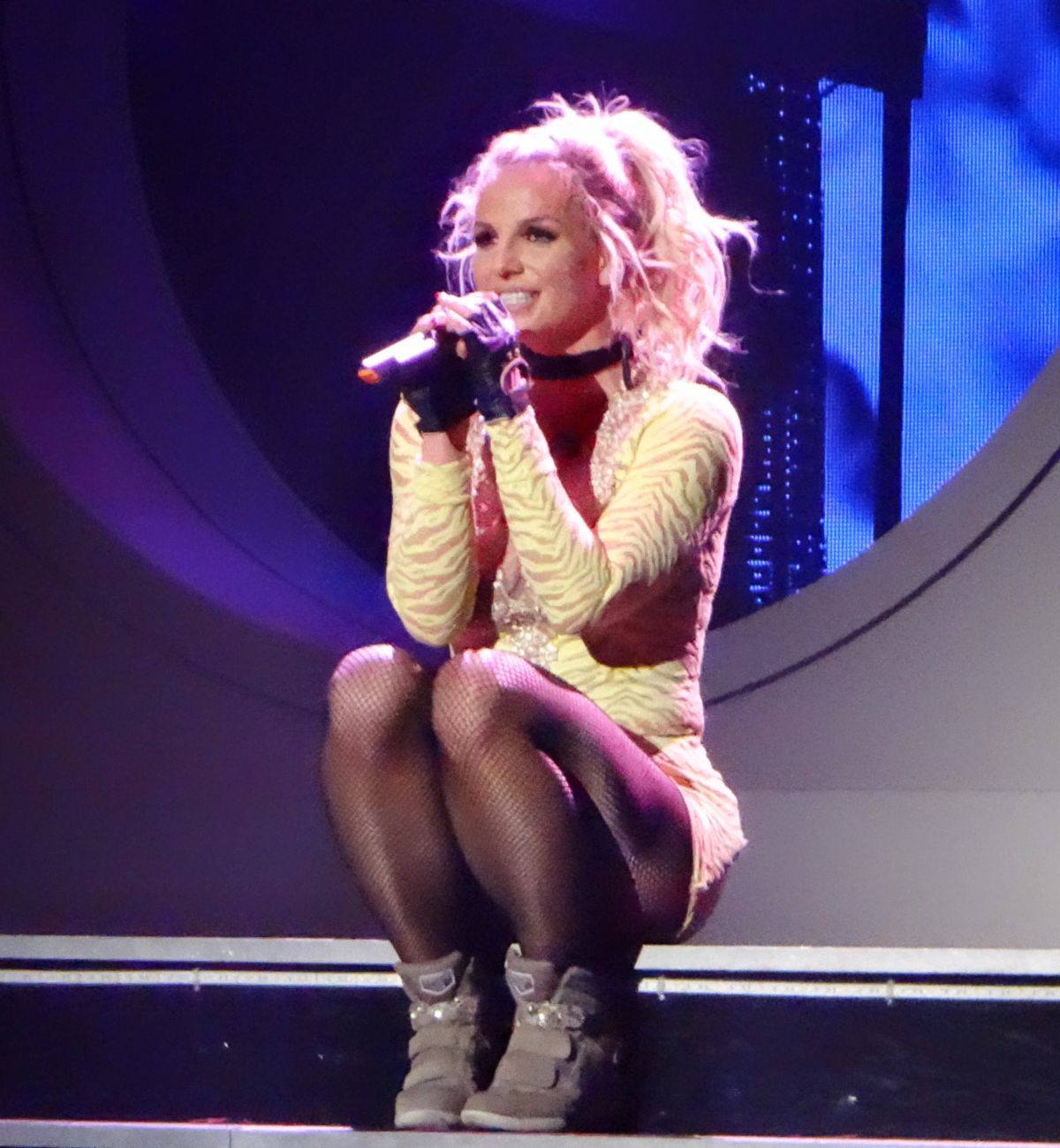 Britney Spears Performing At Planet Hollywood Resort ... Britney Spears Vegas Vip