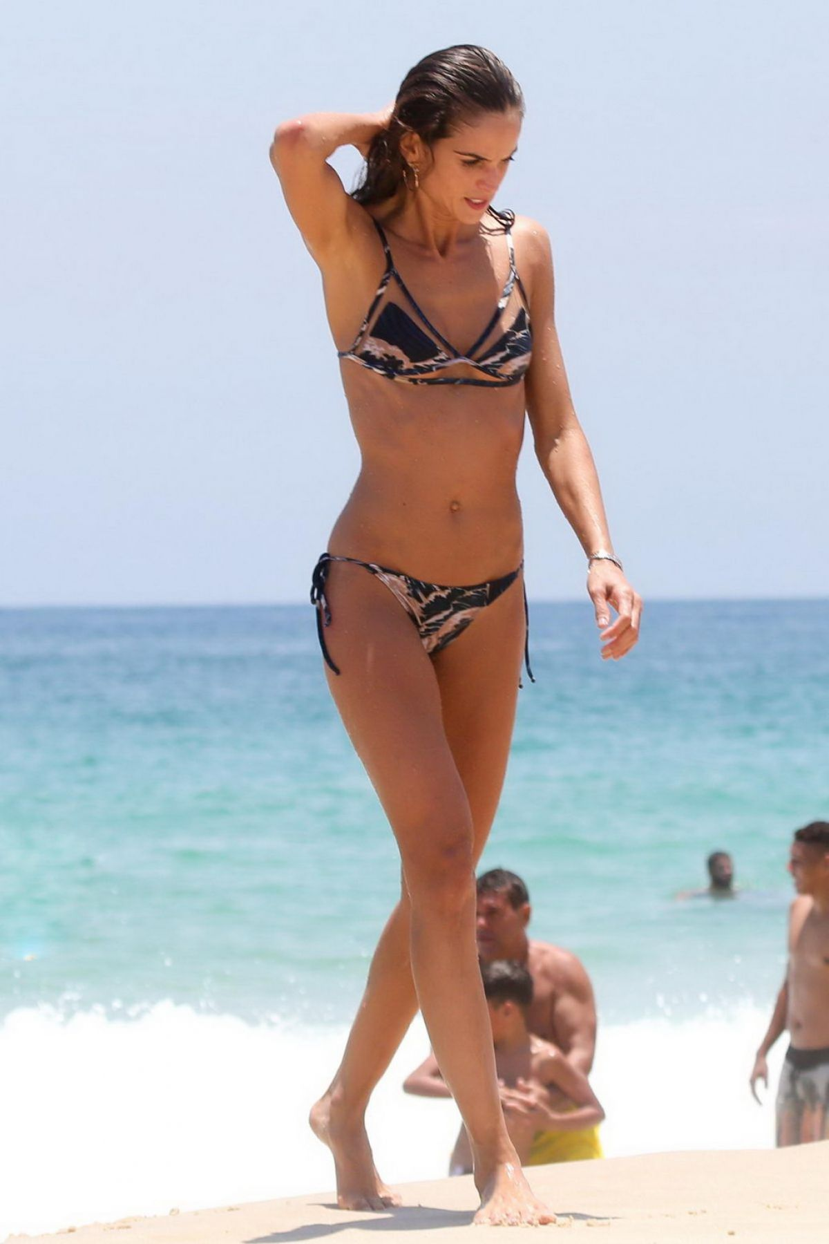 Izabel Goulart in Bikini with boyfriend on the beach in Recife Pic 7 of 35