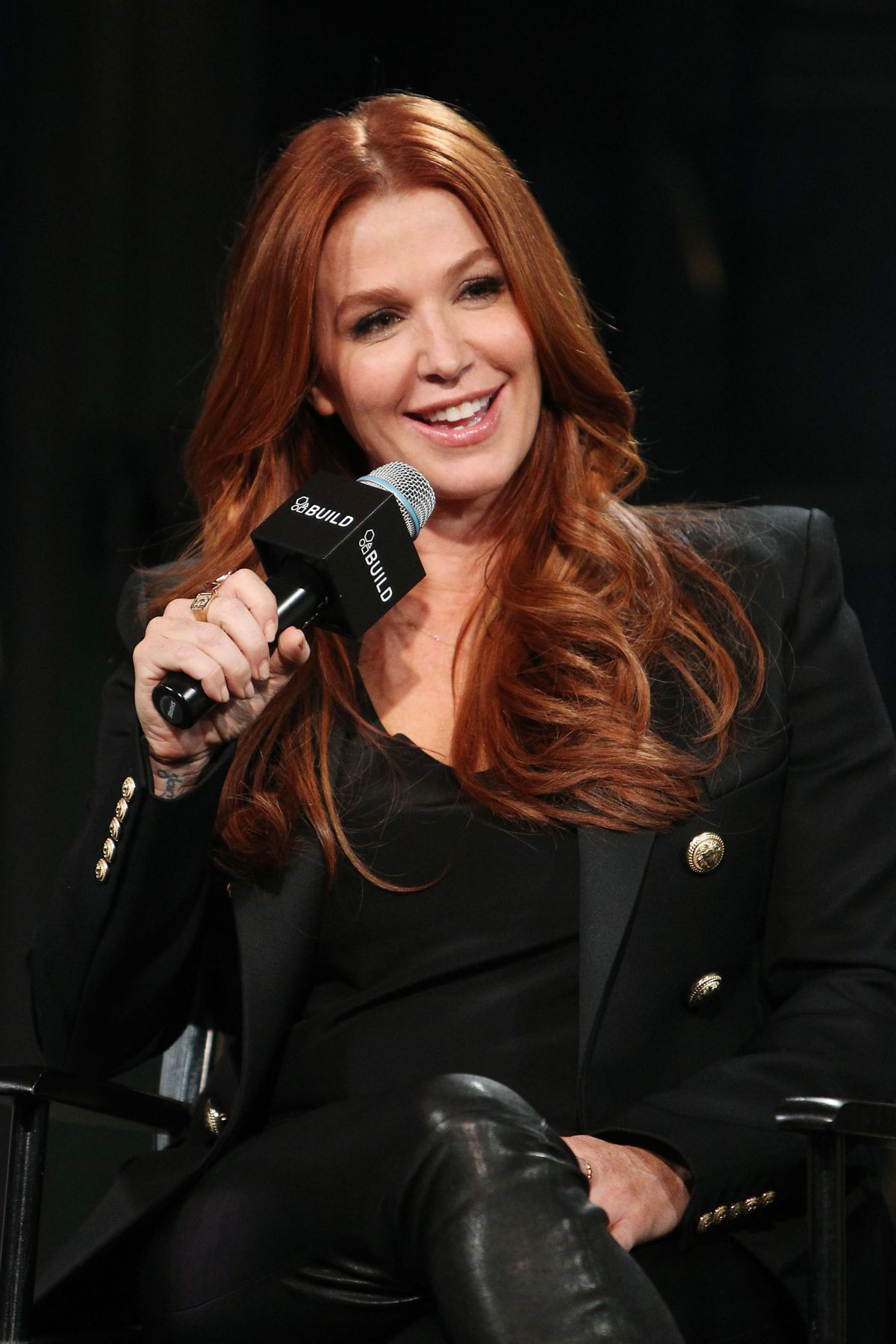 Poppy Montgomery Promoting 'Unforgettable' At Aol Buils Series - Celebzz