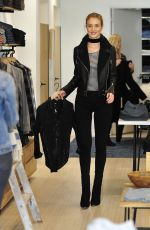 Rosie Huntington-Whiteley Shopping At The Grove