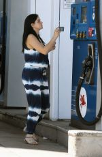 Ariel Winter At A Gas Station In Los Angeles