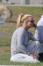 Britney Spears At A Park In Thousand Oaks