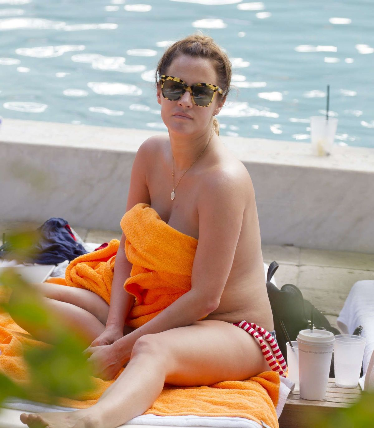 Caroline Flack Sunbathing On New Years Eve In Miami