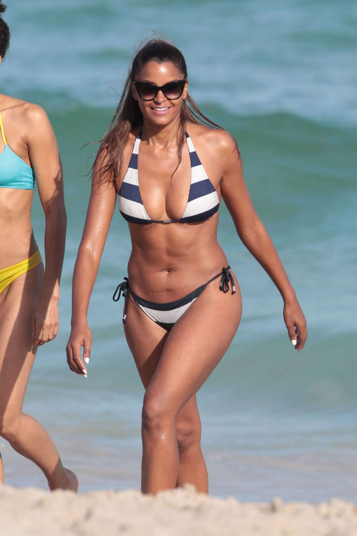 Claudia Jordan In Bikini Candids On The Beach In Miami