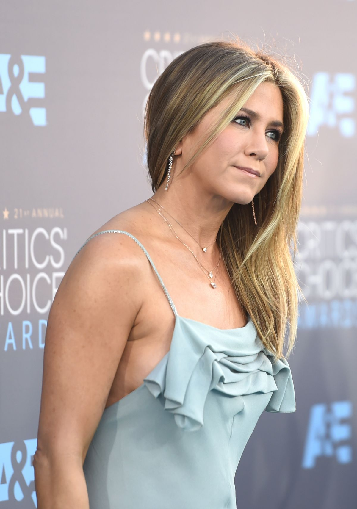 Jennifer Aniston At 21... Jennifer Aniston