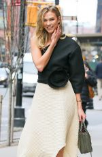 Karlie Kloss Leaving Locanda Verde Restaurant In New York