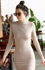 Kendall Jenner Out For Lunch In Sherman Oaks