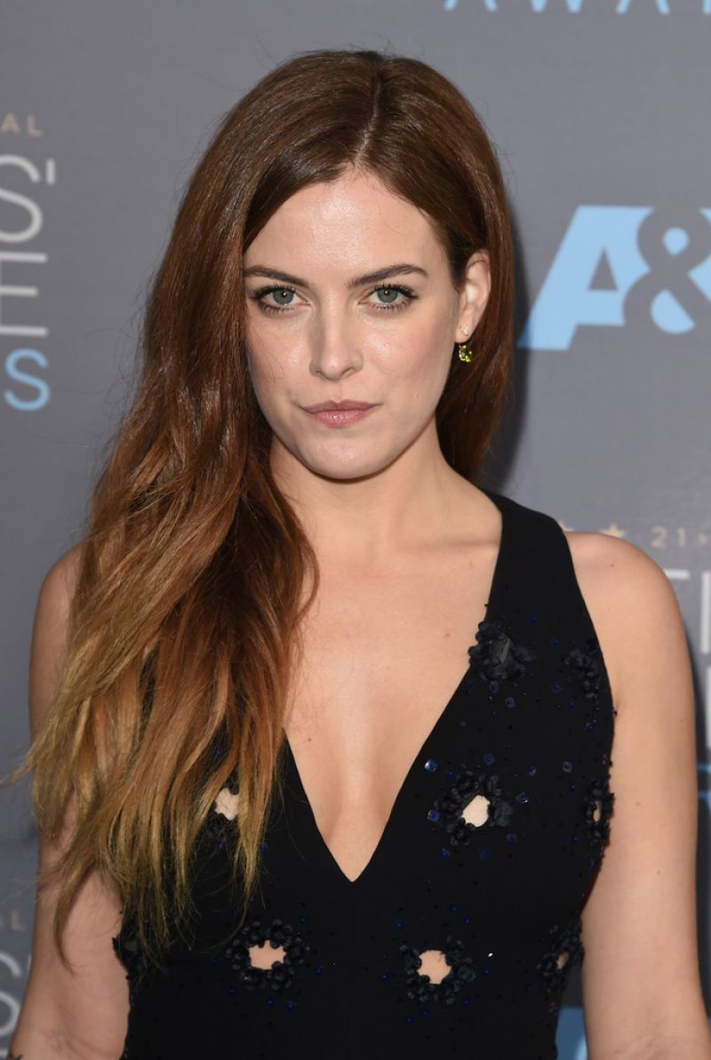 Riley Keough At 21st Annual Critics' Choice Awards In ...