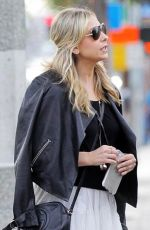 Sarah Michelle Gellar Out & About In Brentwood