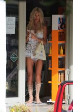 Victoria Silvstedt Shopping In Saint Barthelemy