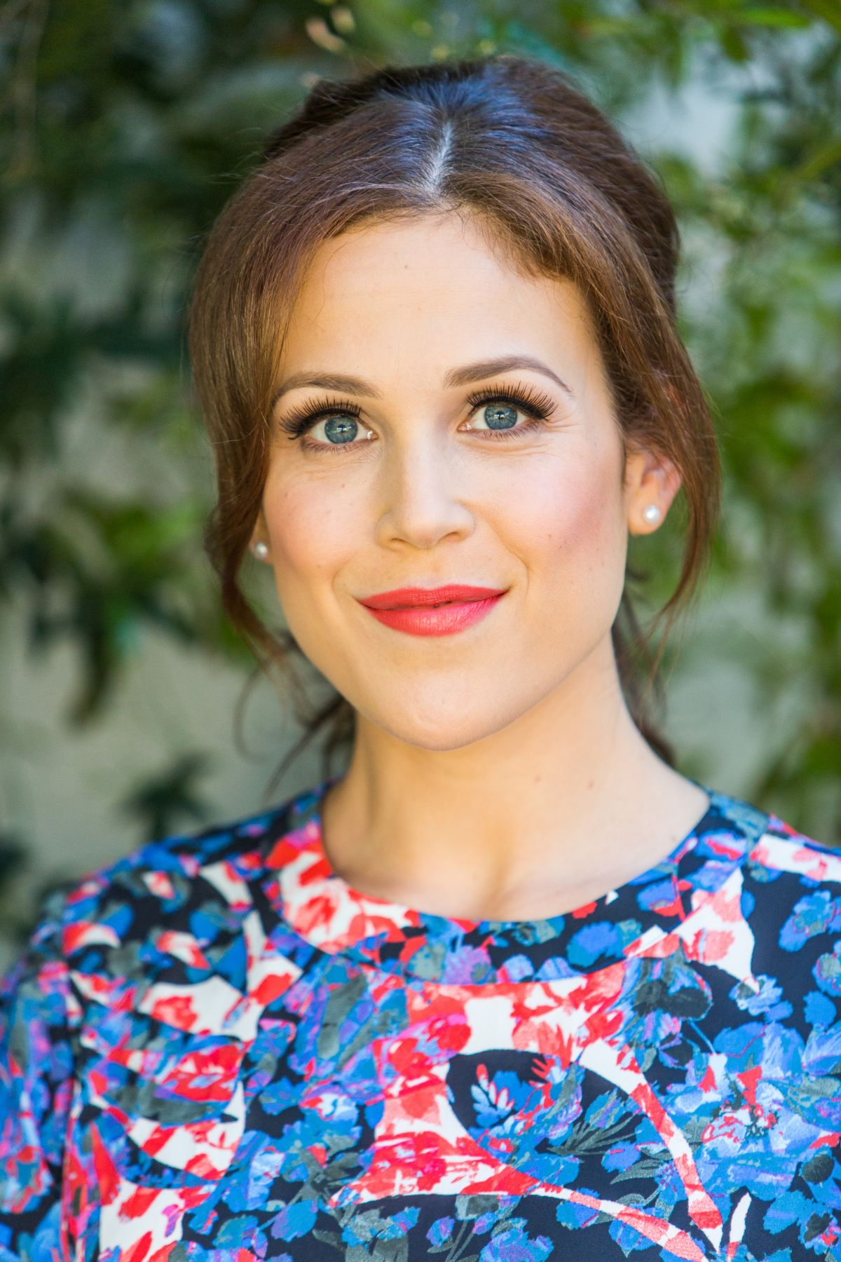 Erin krakow bust size related keywords amp suggestions erin krakow