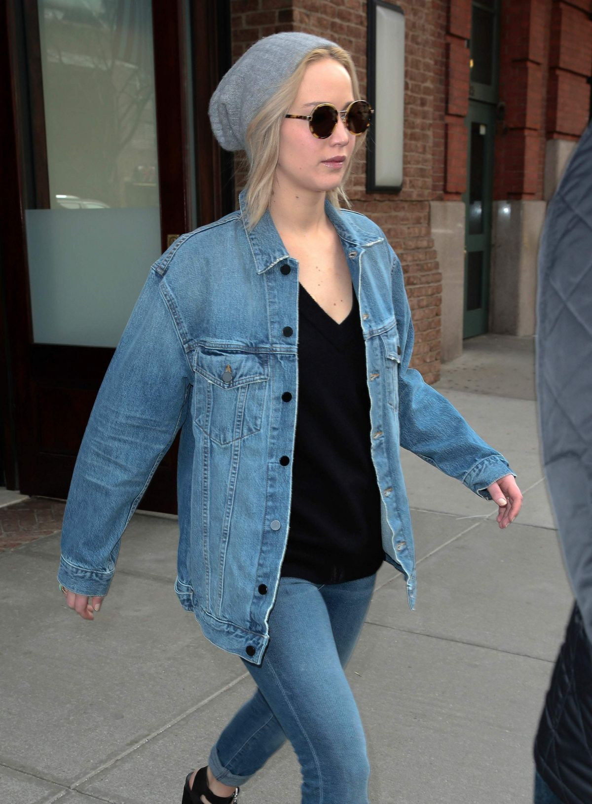 Jennifer lawrence out in nyc new picture