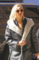 Jennifer Lawrence Shopping In NYC