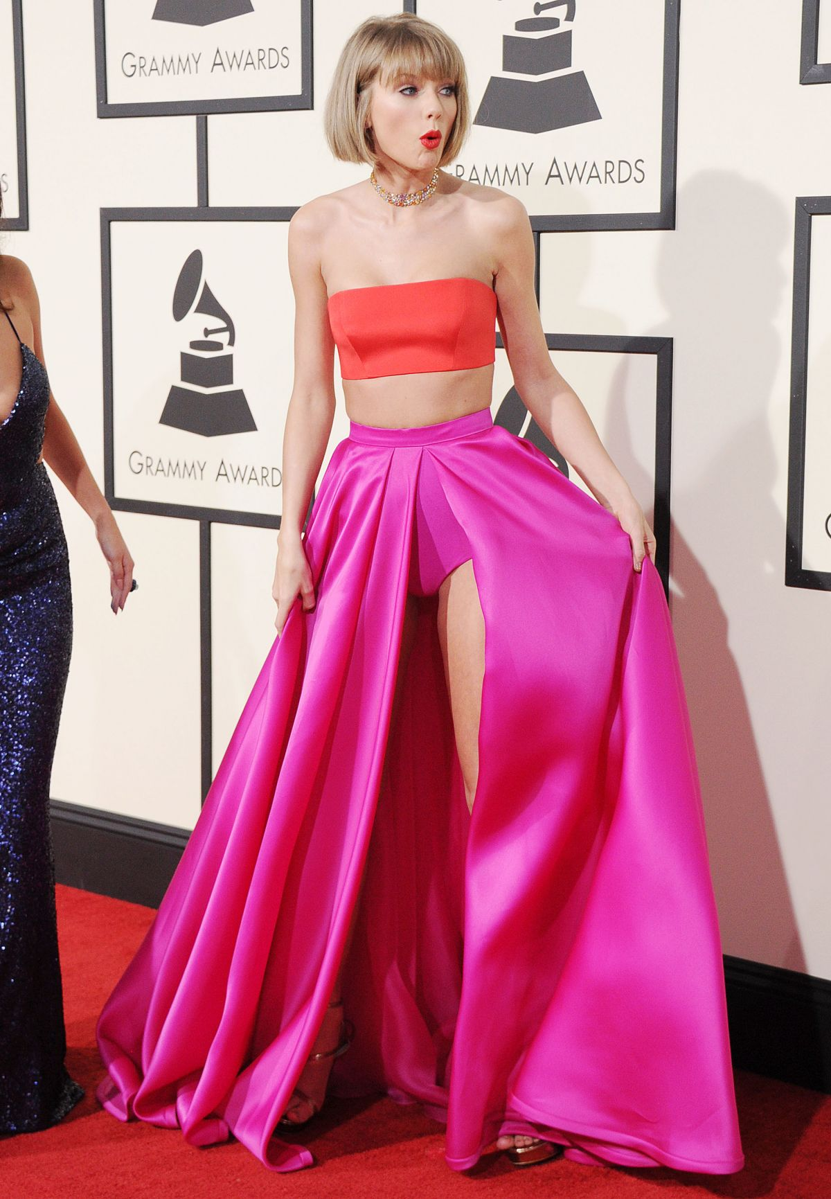 Taylor Swift At 58th Annual Grammy Awards Celebzz Celebzz