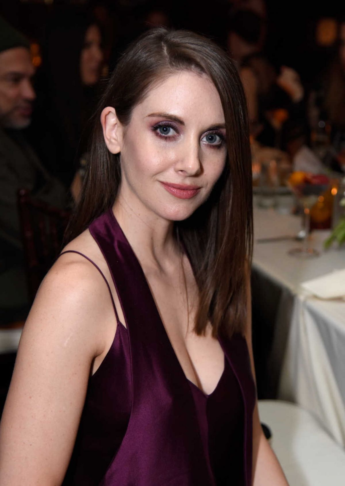 cleavage Twitter Allison Brie naked photo 2017