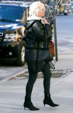 Jennifer Lawrence Arriving At Her Hotel In New York