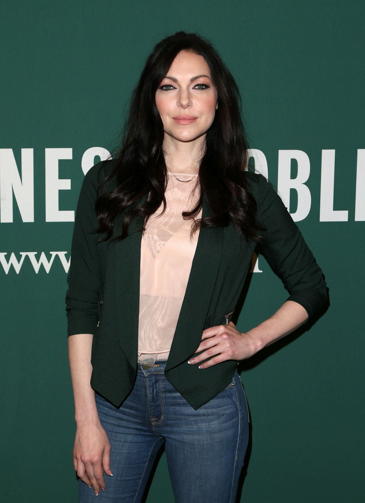 Laura Prepon Signing Of Her New Book At The Barnes Noble At The