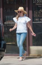 Reese Witherspoon Is Seen At The Tanning Salon In Los Angeles