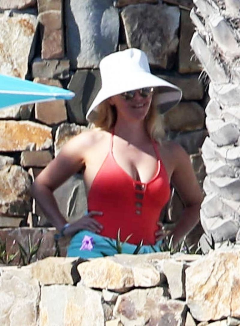 Reese Witherspoon Trip