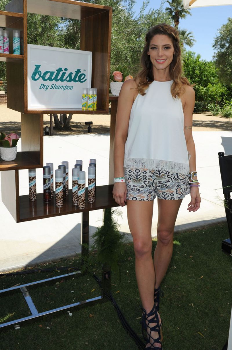 Ashley greene at zoeasis presented by the zoe report and The zoe report