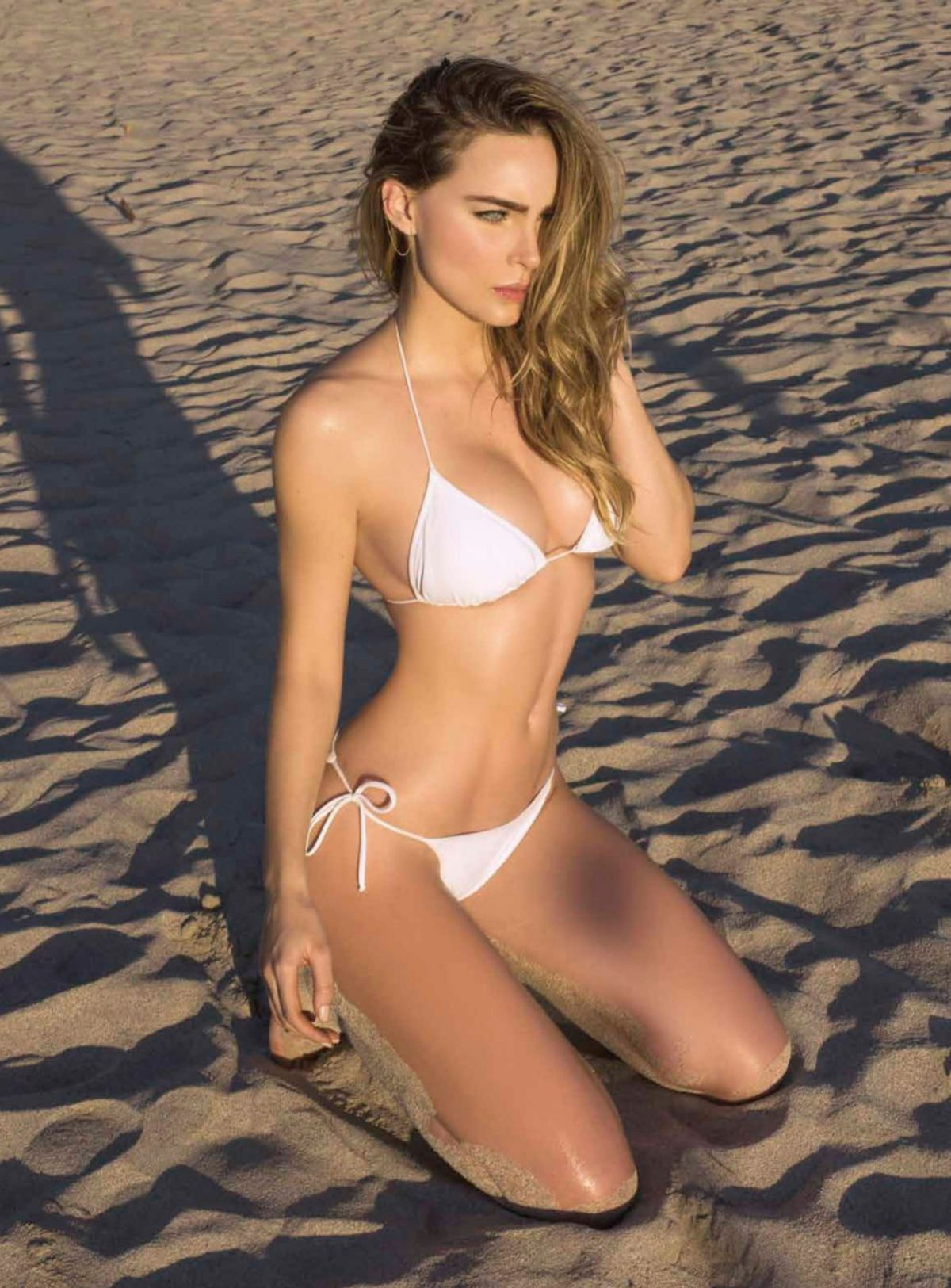 Belinda Peregrin In Esquire Mexico April 2016
