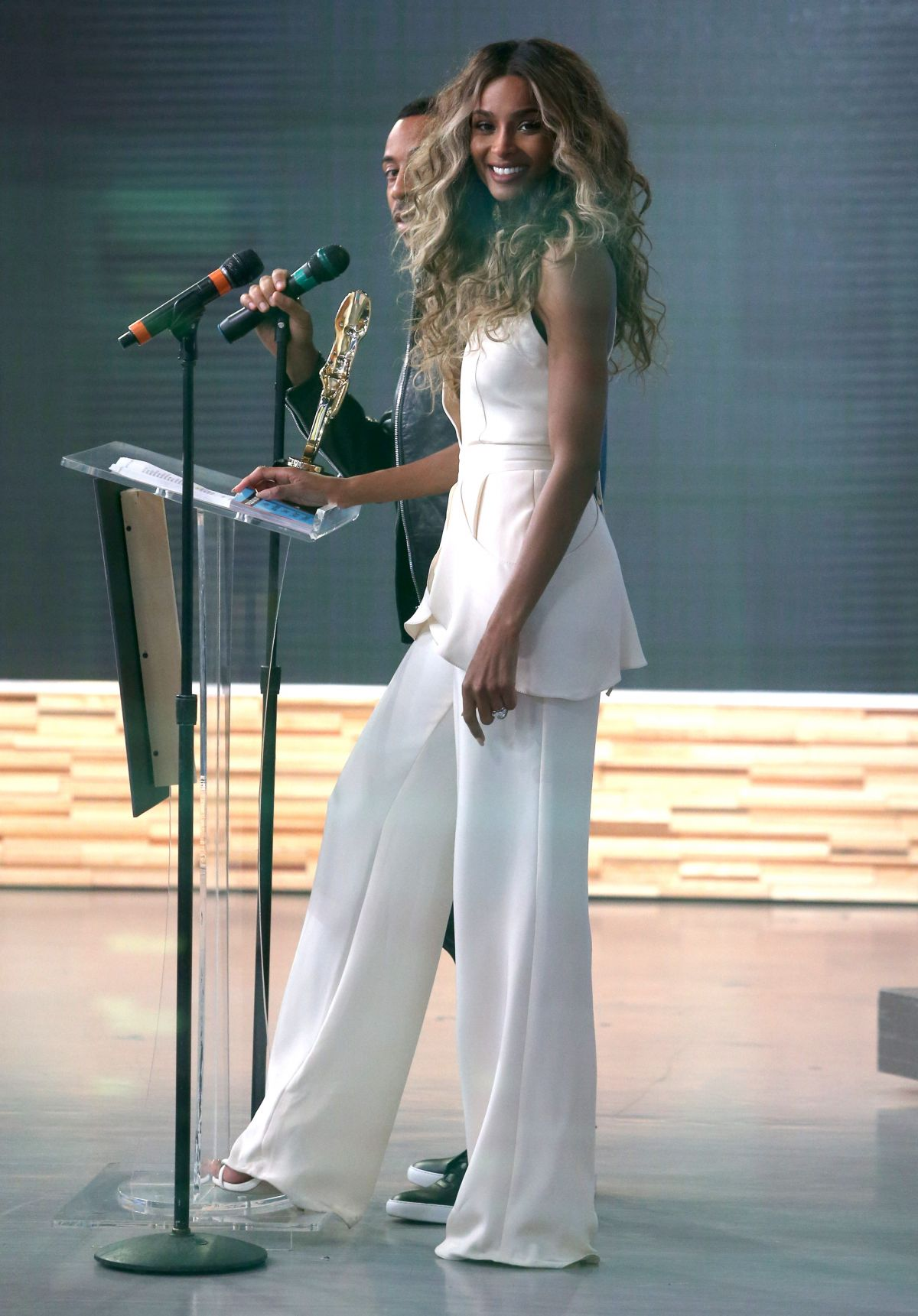 Good Morning America Nyc : Ciara at good morning america in new york city celebzz
