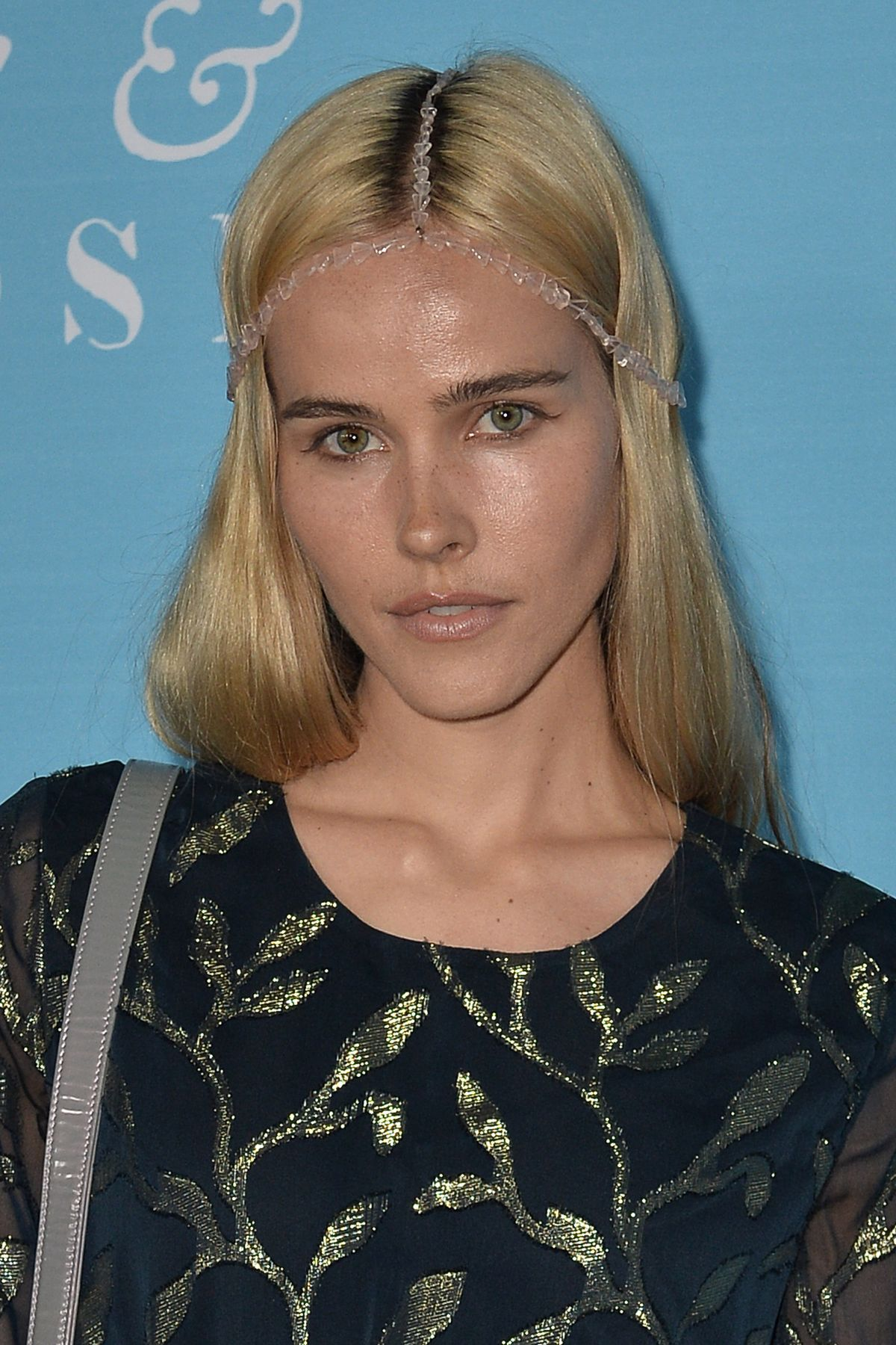 isabel lucas - photo #13