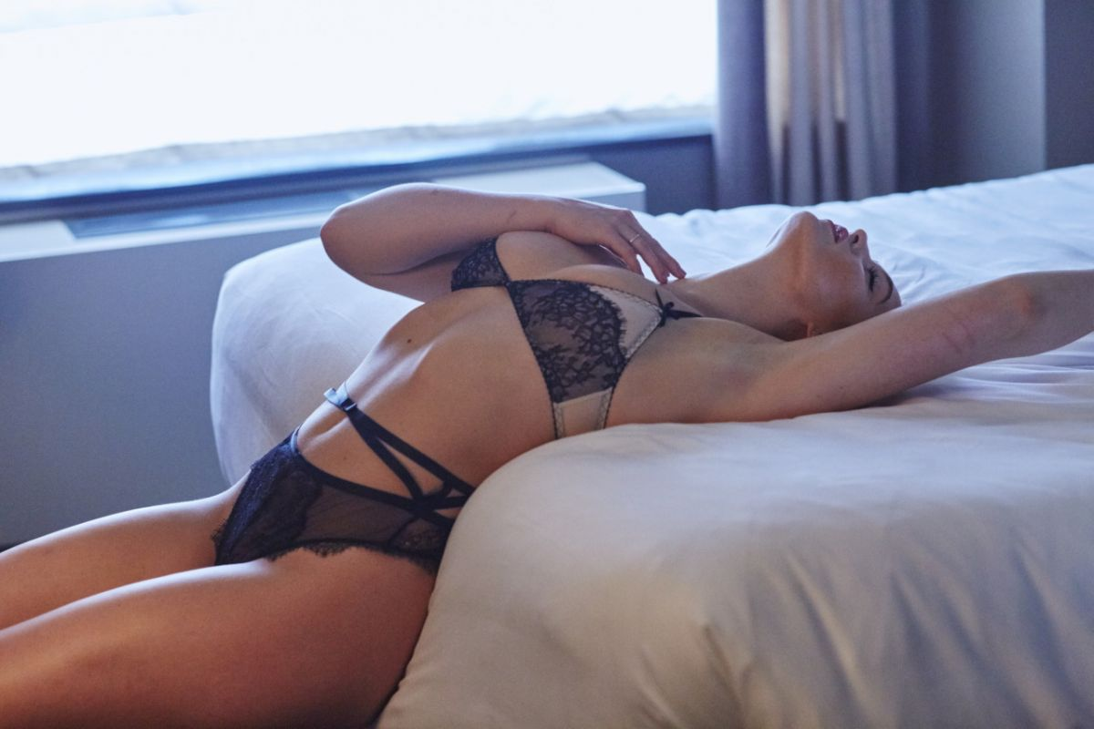 Iskra Lawrence - Hotel Ma Cherie photoshoot » Картины