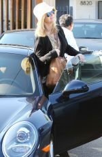 Lisa Kudrow Out In West Hollywood