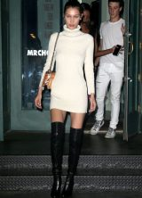 bella-hadid-leaving-mr.-chow-s-in-nyc_4