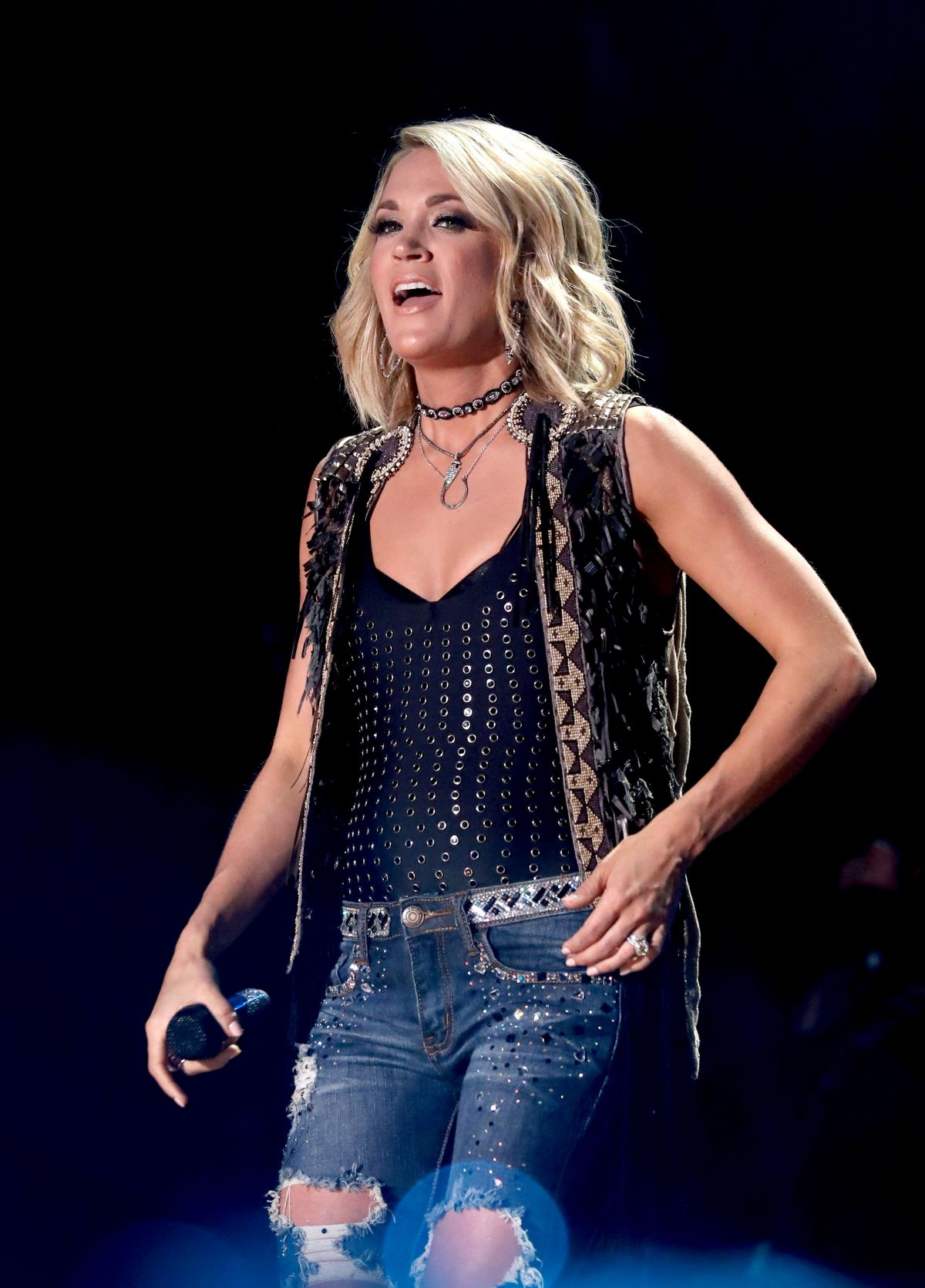 Carrie Underwood Performing At The 2016 Cma Music Festival