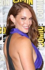 Amanda Righetti At