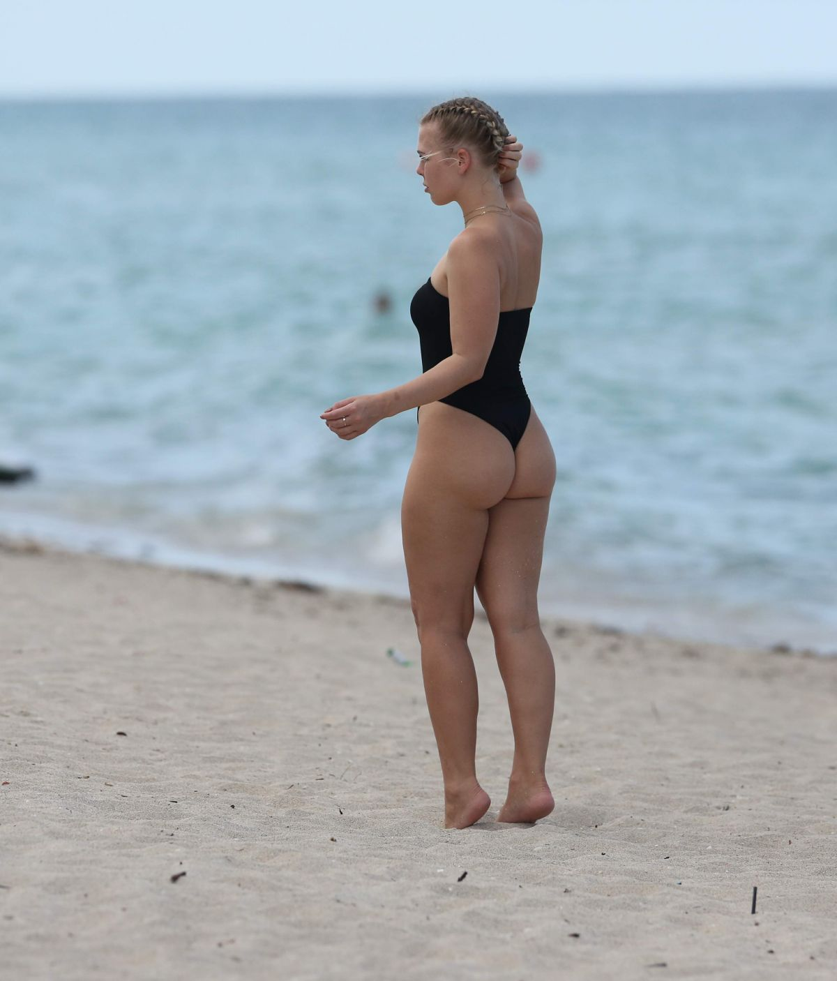 bianca elouise in miami shooting in the beach - celebzz