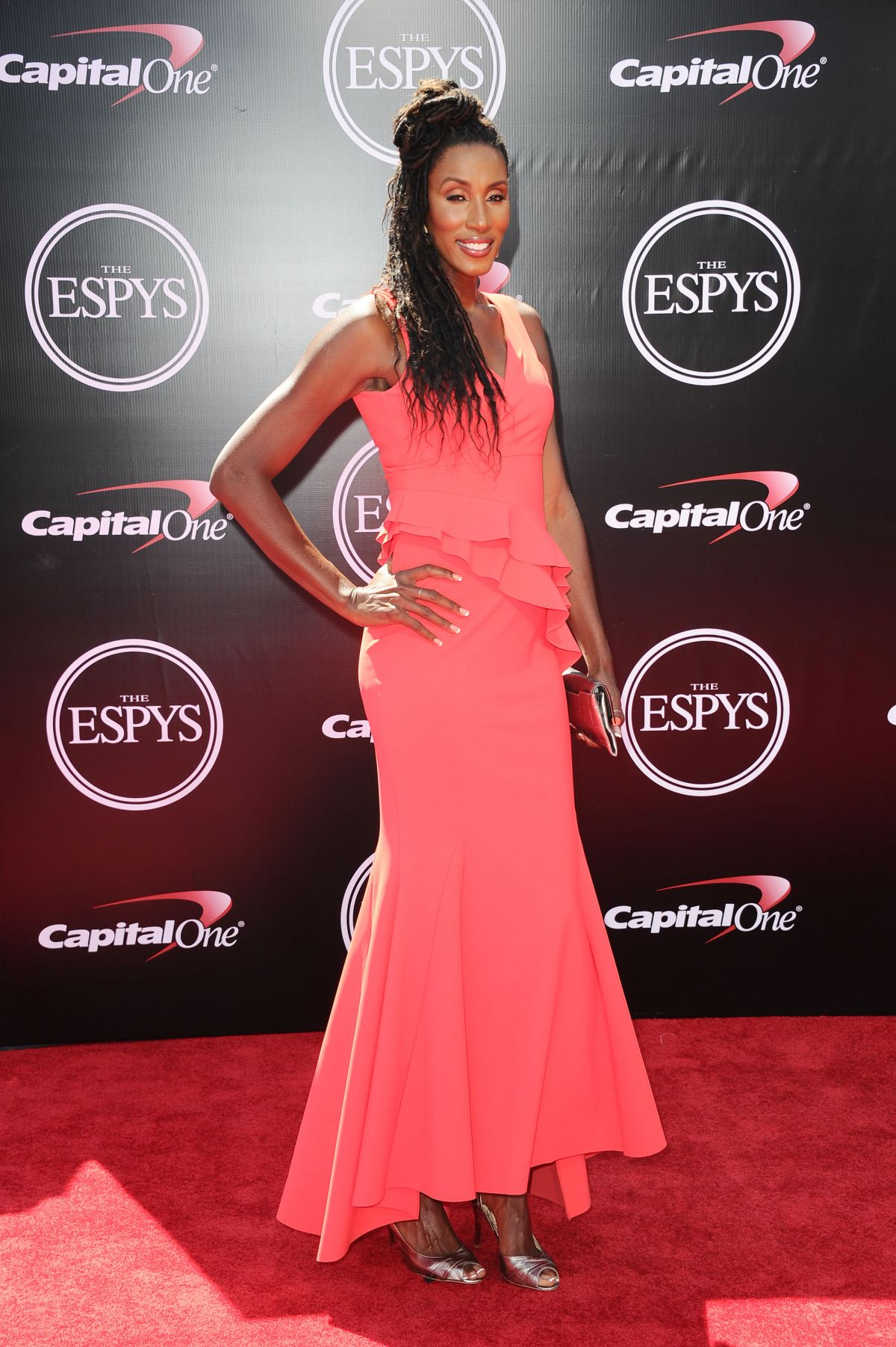 lisa leslie The first dunk ever in a wnba game, by lisa leslie (los angeles sparks.
