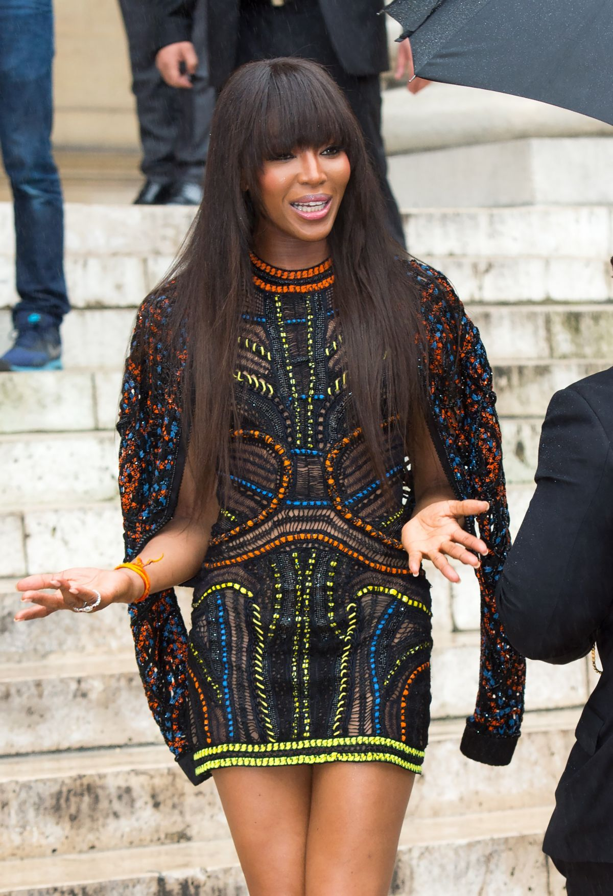 naomi campbell at atelier versace fashion show in paris