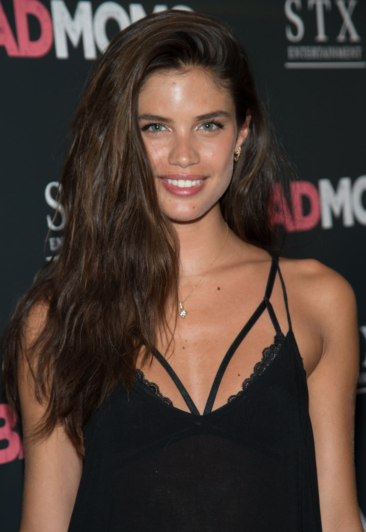 Sara sampaio at the premiere of the killing of a sacred deer in cannes nudes (89 photo), Pussy Celebrity picture