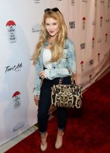 eefbf56ba74d Renee Olstead At MJ Dougherty s Life Lessons from a Total Failure book launch  party in LA