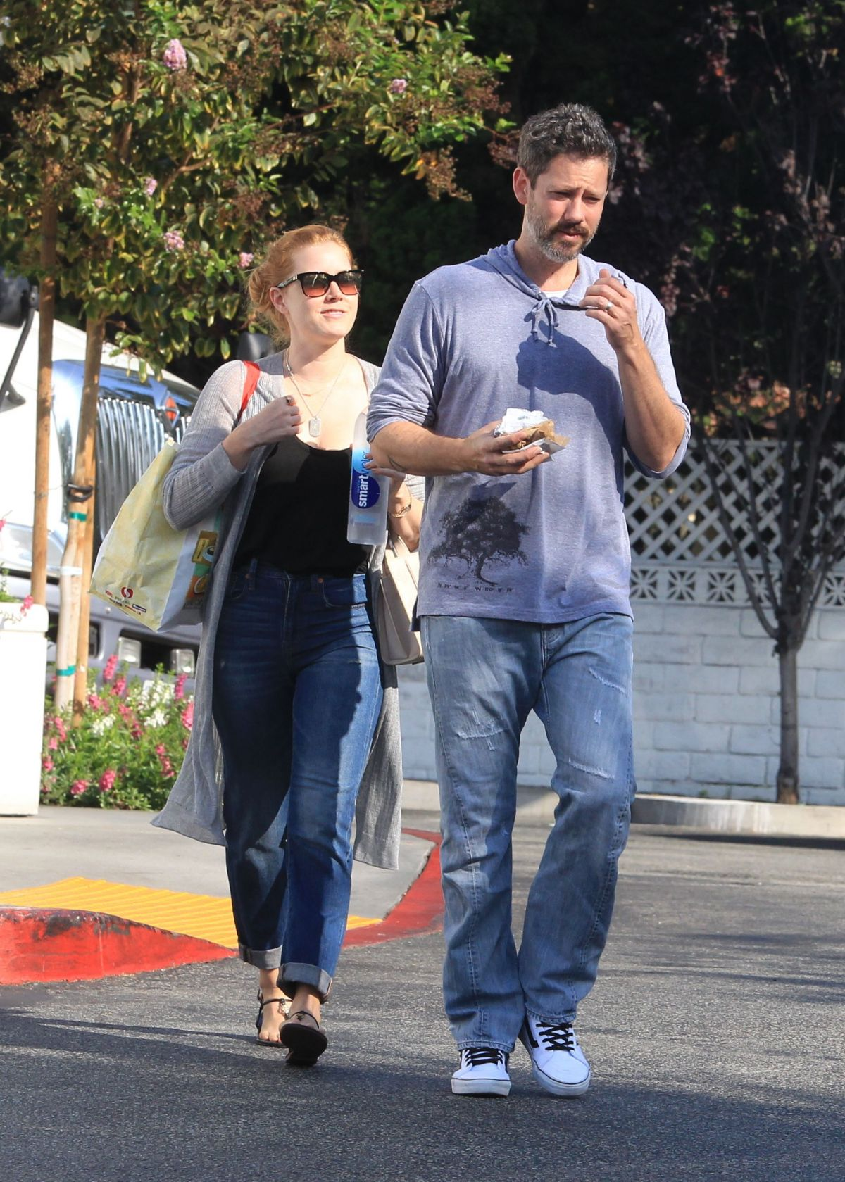 Amy Adams And Her Husband Darren Le Gallo Grocery Shopping In
