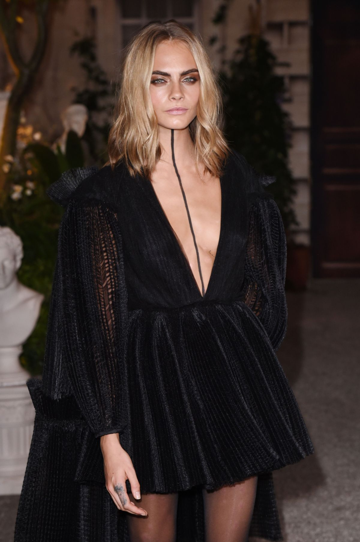 Cara delevingne at burberry show during london fashion week celebzz - Burberry fashion show ...