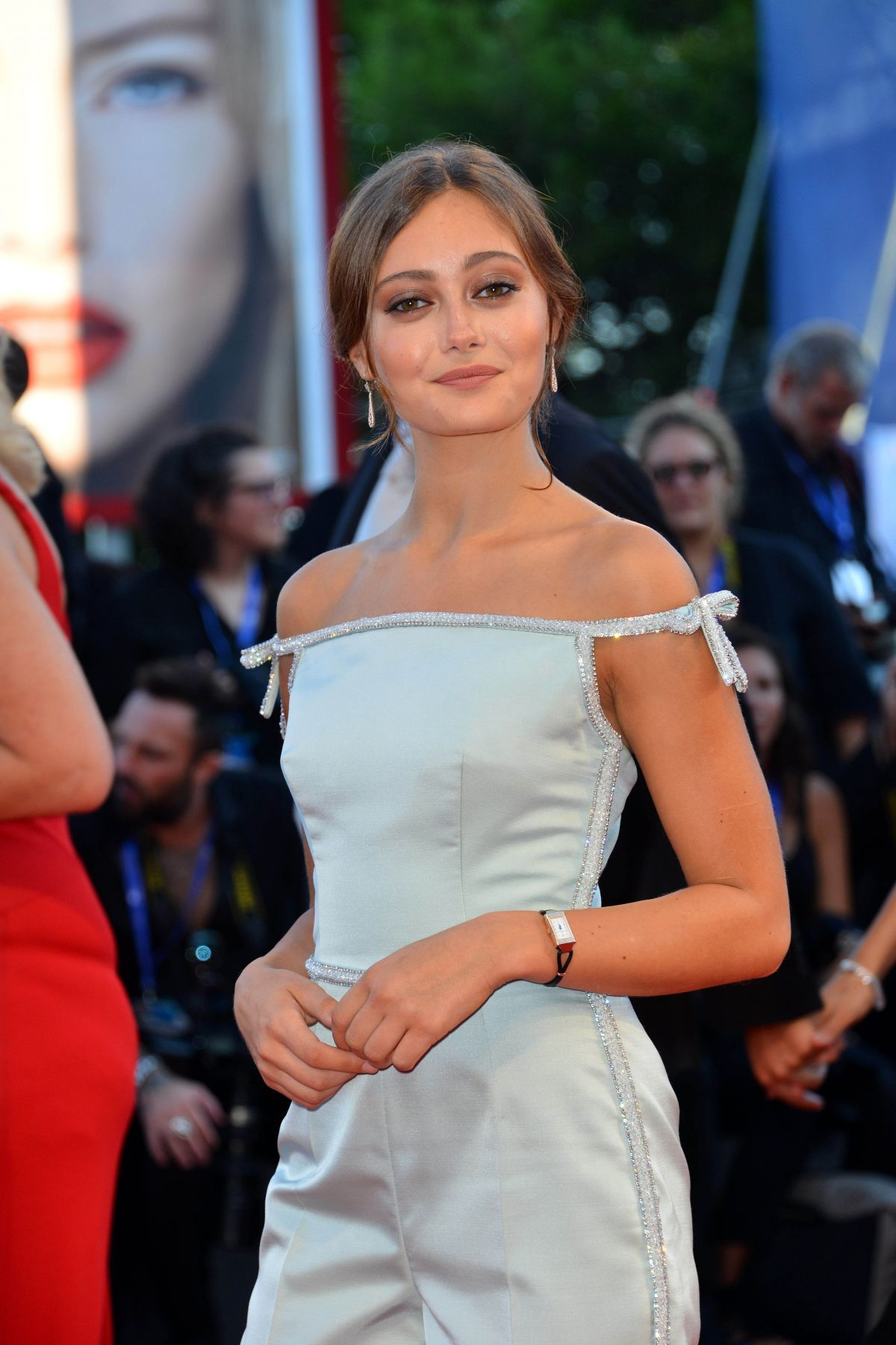 cameltoe Cleavage Ella Purnell naked photo 2017
