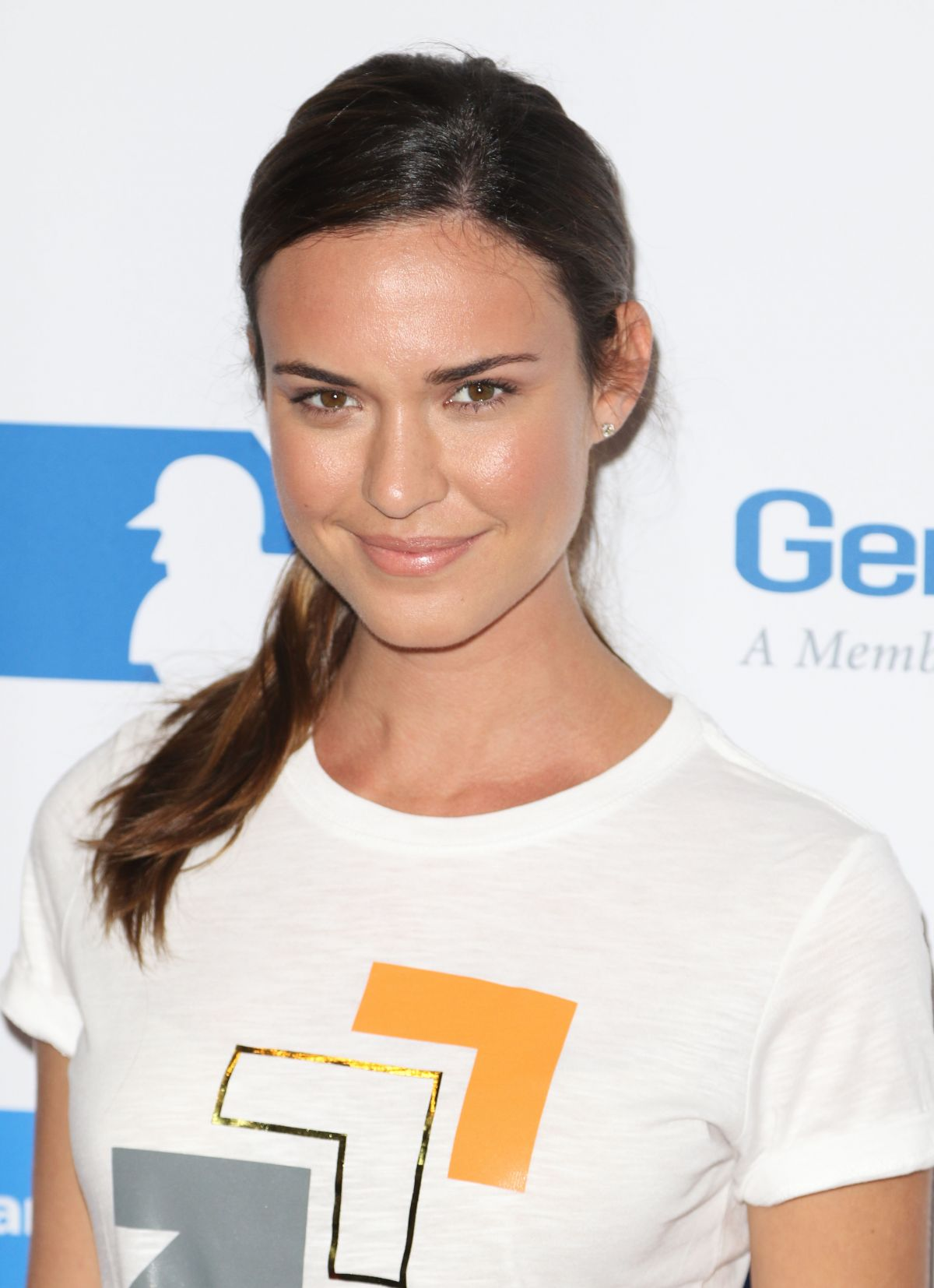 Odette Annable At 5th Biennial Stand Up To Cancer at Walt Disney Concert Hall in Los Angeles, CA   odette-annable-at-5th-biennial-stand-up-to-cancer-at-walt-disney-concert-hall-in-los-angeles-ca_1