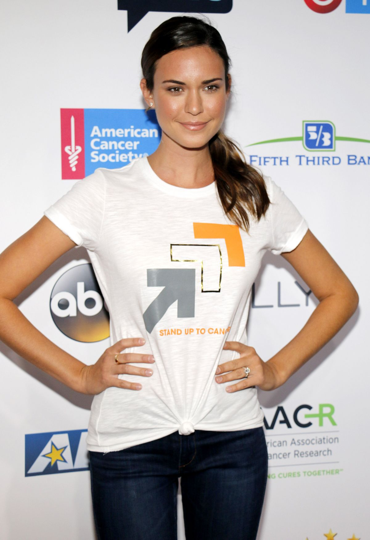 Odette Annable At 5th Biennial Stand Up To Cancer at Walt Disney Concert Hall in Los Angeles, CA   odette-annable-at-5th-biennial-stand-up-to-cancer-at-walt-disney-concert-hall-in-los-angeles-ca_15