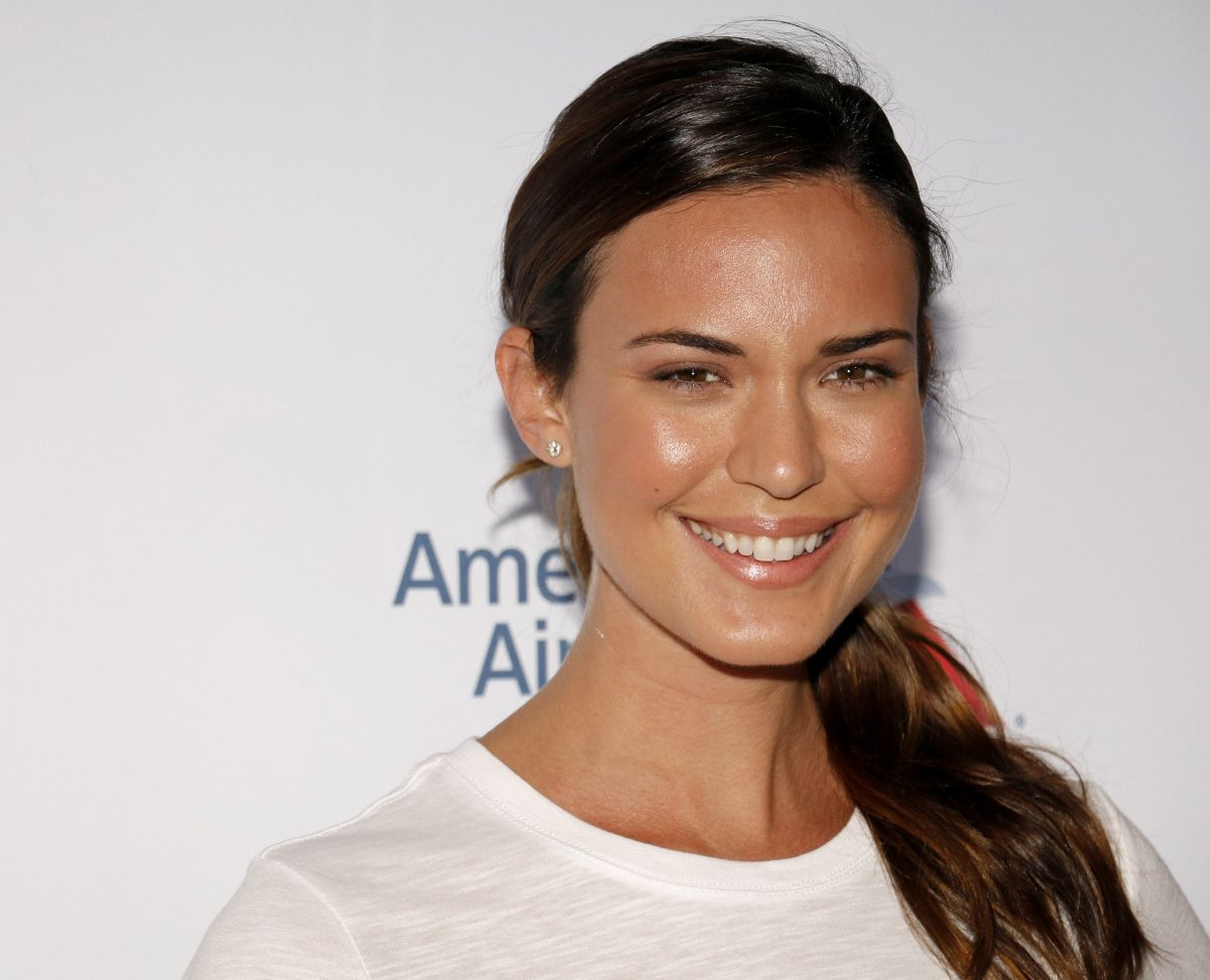 Odette Annable At 5th Biennial Stand Up To Cancer at Walt Disney Concert Hall in Los Angeles, CA   odette-annable-at-5th-biennial-stand-up-to-cancer-at-walt-disney-concert-hall-in-los-angeles-ca_16