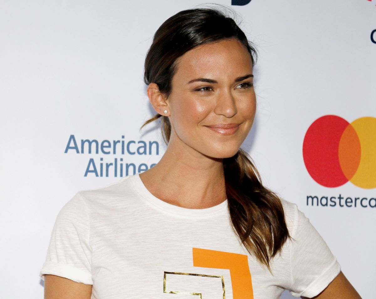 Odette Annable At 5th Biennial Stand Up To Cancer at Walt Disney Concert Hall in Los Angeles, CA   odette-annable-at-5th-biennial-stand-up-to-cancer-at-walt-disney-concert-hall-in-los-angeles-ca_17