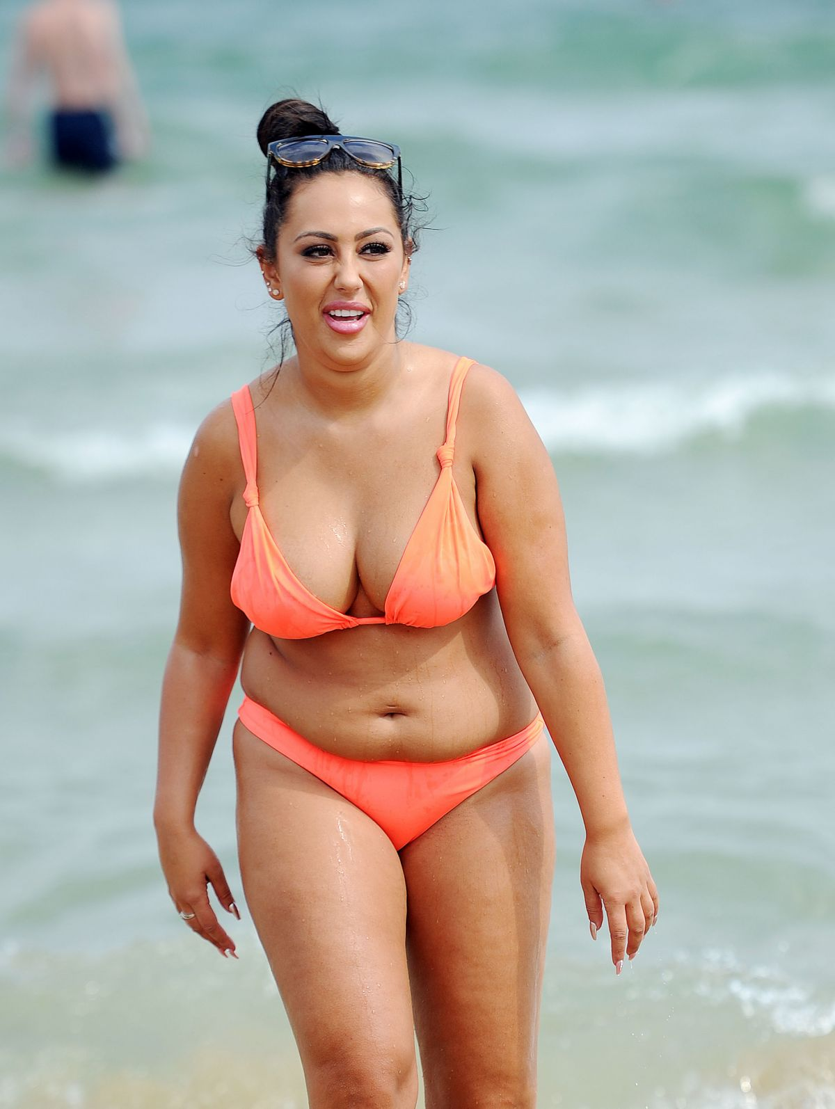 Sophie Kasaei in Pink Bikini on the beach in Lanzarote Pic 27 of 35